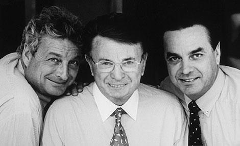 Jacques Courtin-Clarins ladeado pelos seus filhos Christian e Olivier.
