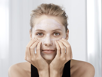 Como aplicar Masque Visage Multi-Régénérant?