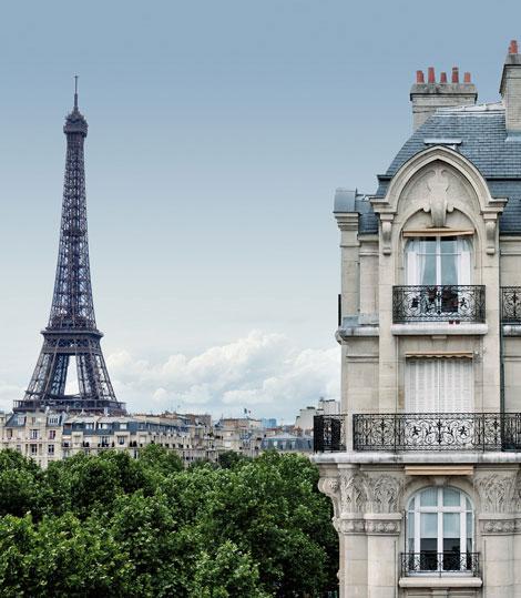 """Os produtos de beleza Clarins são fabricados em Pontoise. Um """"made in France*"""" de que Clarins não abdica."""